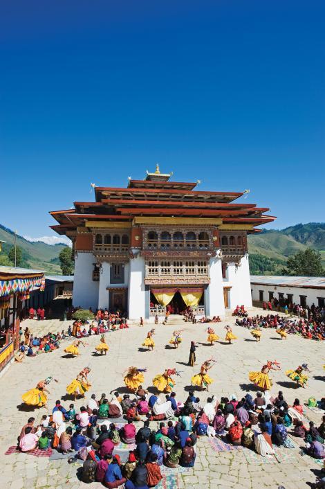 tsechu-festival-gangtey-gompa-monastery-bhutan-ngsversion-1477423811625-adapt-470-1